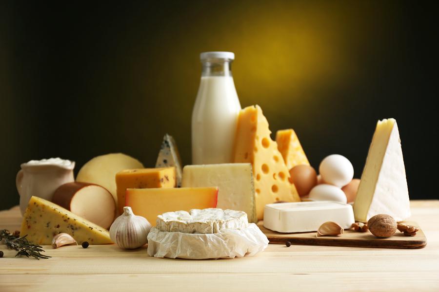 https://viralventura.com/wp-content/uploads/2017/08/bigstock-Tasty-dairy-products-on-wooden-61037651.jpg