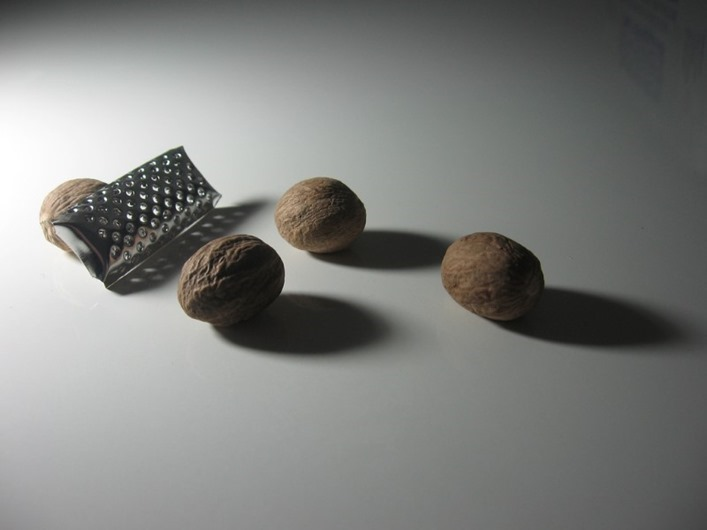 nutmeg-and-grater
